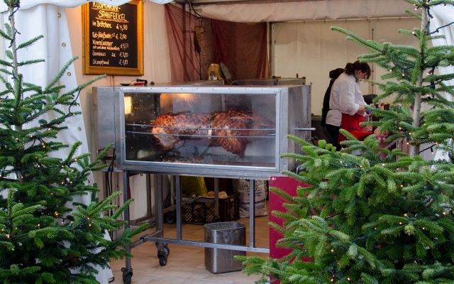 Grown-up Travel Guide Daily Photo: Christmas market food stall, Hamburg, Germany