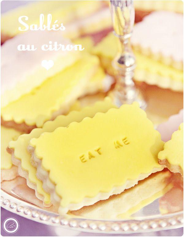 {Buffet de nos fiançailles} Love, vintage, cupcakes & bagels | Blanc coco