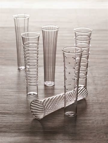Dainty Champagne Flutes l Roost TG571
