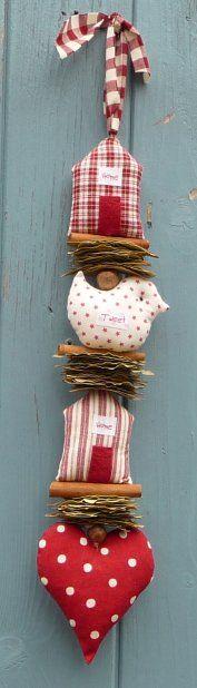 ,: Christmas Crafts, Doors Hangers, Hanging Heart Garlands, Cute Ideas, Birds Decor, Sweet Home, Christmas Mobiles, Christmas Houses, Hanging Decor Sewing