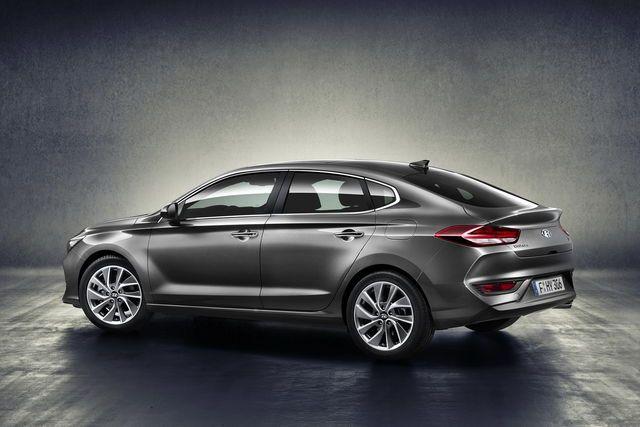 Hyundai i30 Fastback: debutta la 5 porte