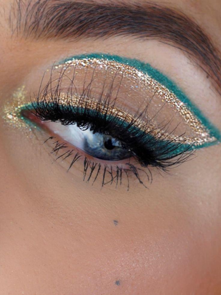 Coloured double eyeliner