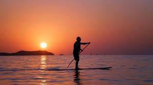 Resultado de imagen para hermoso amanecer cabaña a la orilla del mar