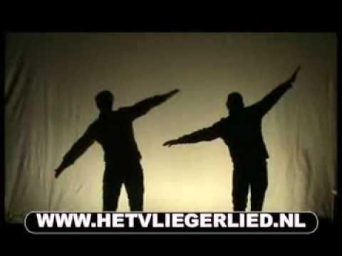 Het Vliegerlied (Het is weer een mooie dag) - Café The Block - YouTube
