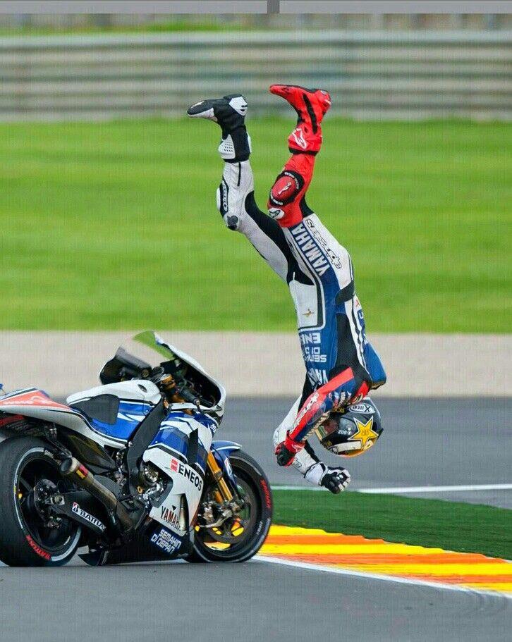 Jorge Lorenzo....crash!!