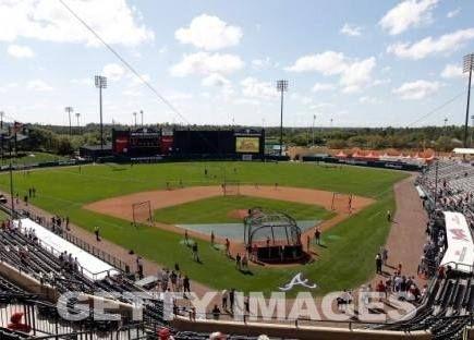 Orlando City-#ASRoma. Squadre in campo per il riscaldamento: Paredes e Sanabria in campo dal primo minuto. #Orlando2014