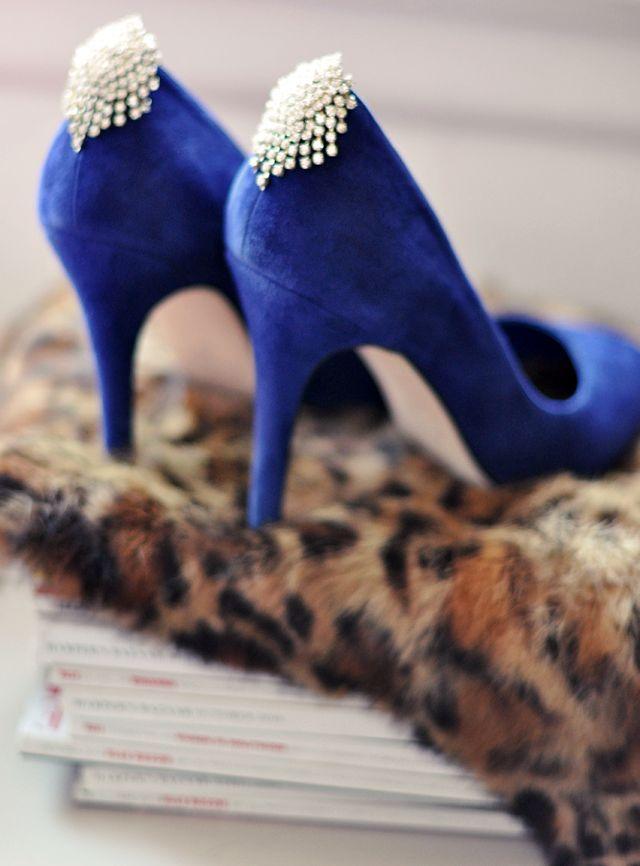 10 Ways to Repurpose Vintage Rhinestone Earrings: Fashion, Wedding Shoes, Wedding Ideas, Shoe Clips, Vintage Earrings, Blue Shoes, Pump, Diy, Blue Wedding