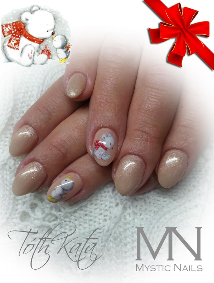 Christmas bear nail art