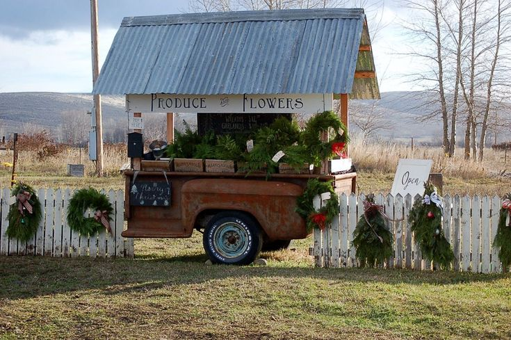 Epic Best 45+ Farm Stand Display Ideas For Alternative Beautiful Display Ideas http://goodsgn.com/gardens/best-45-farm-stand-display-ideas-for-alternative-beautiful-display-ideas/