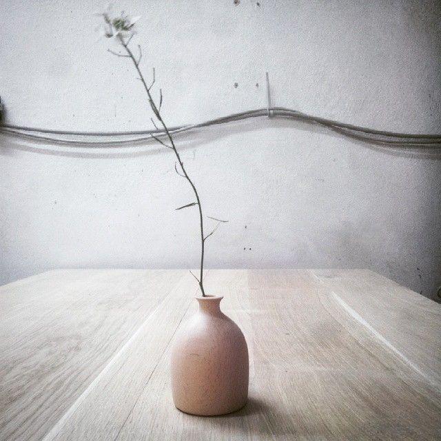 Flower stand by Schiuma Post Design www.schiumapostdesign.com