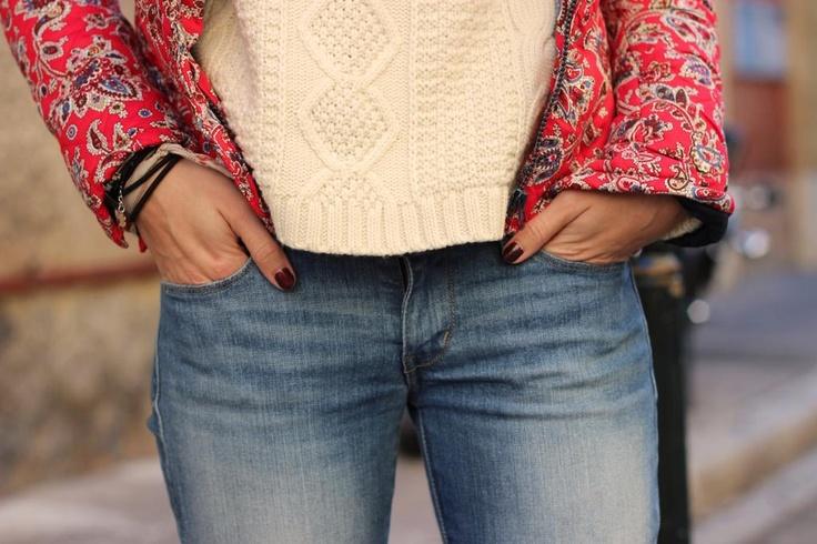 Pull – Primark  Jeans – Levis  Veste – Asos (similaire ici)  Bottines – André