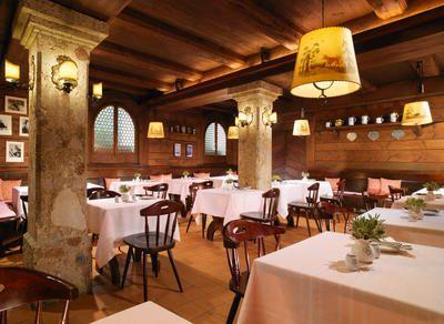 Hotel Goldener Hirsch, Salzburg: Zauberhafte Weihnachtsfeiern und Weihnachtsmärkte | traveLink