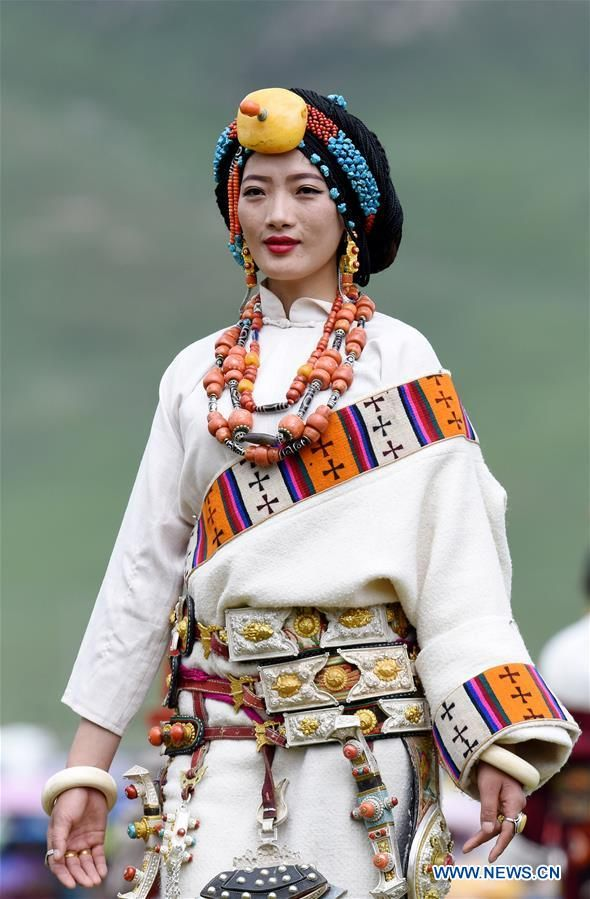 yushu women Tibetan women usually lead a more difficult life than tibetan men tibetan women are in charge of most of the household chores nomad women wake up early in the morning to collect yak dung to be dried.