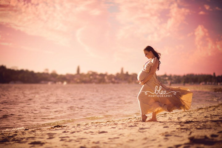 Outdoor beach pregnancy photography sessions Perth | Pregnant sisters Jade and Emma Perth Photography