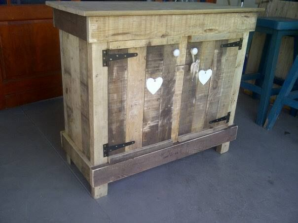 love cabinet