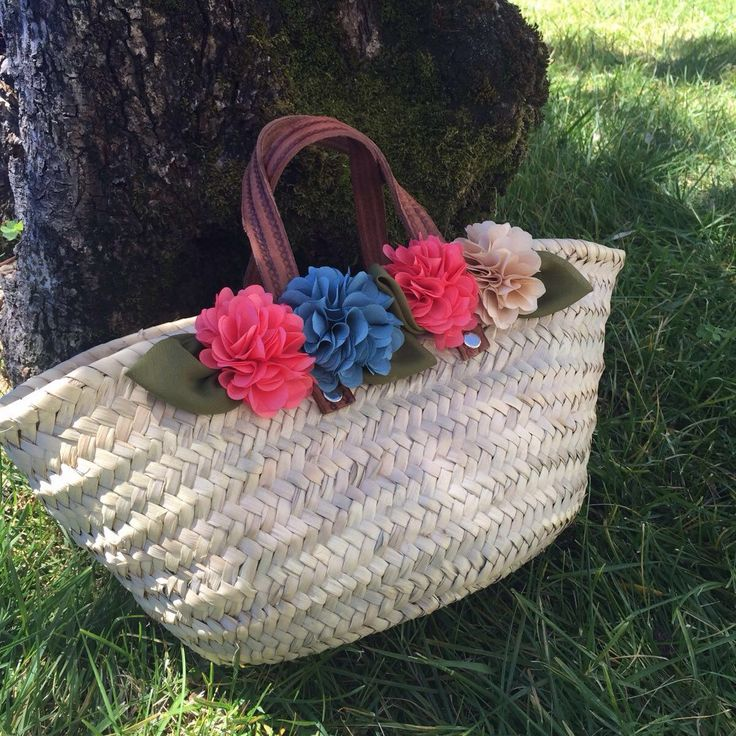 Little girls just love these beach straw bags! ❤️ Another custom order! Make yours too!
