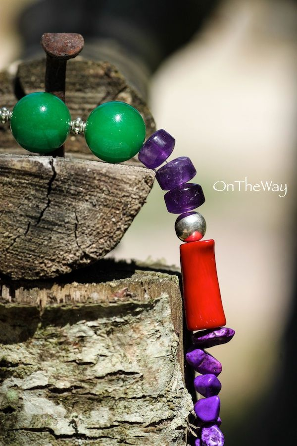 LanguWorld making jewellery. Stones and silver brought from Bali. Emerald, Red Coral and Amethyst.
