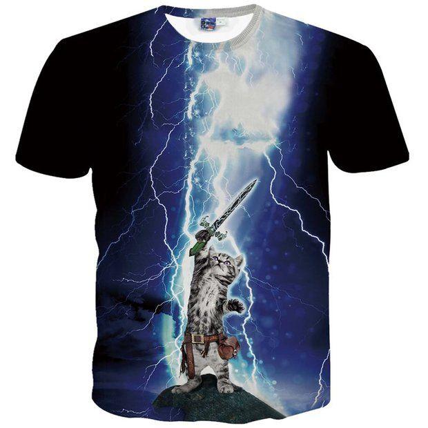 猫×宇宙!? Amazonで買えるブッ飛んだ猫Tシャツの勢いがヤバい