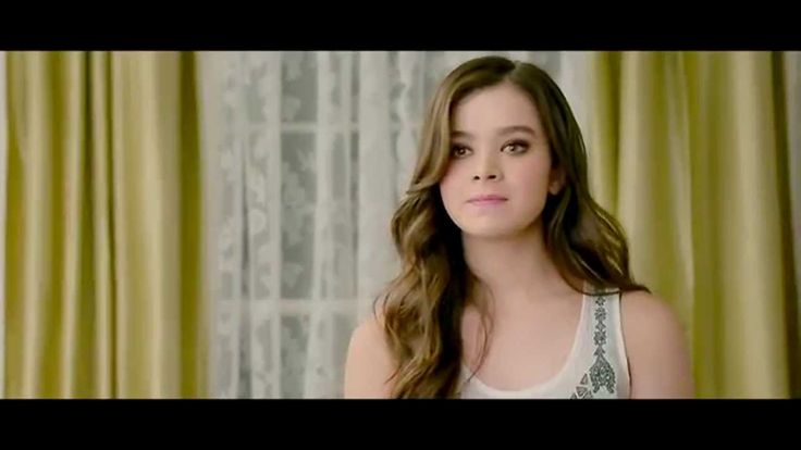 Pitch Perfect 2: Emily Junk (Hailee Steinfeld) auditions to be a Bella [...