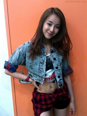 [PICS] Minah & Jisun Sponsor – Girl's Day Daily