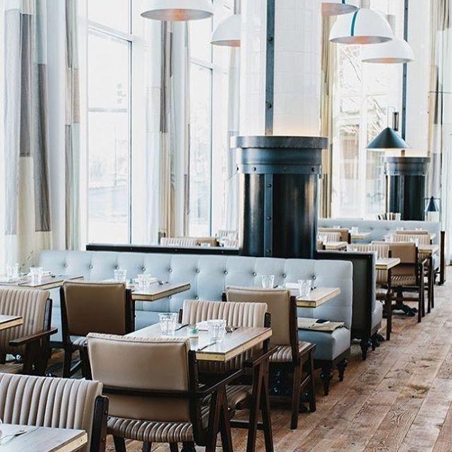 "76 curtidas, 2 comentários - Axel & Jones (@axelandjones) no Instagram: ""Friday Vibes || Perfect powder blue hues at the gorgeous St Cecilia Restaurant in Atlanta. . . . .…"""