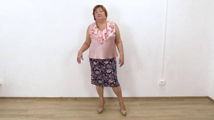 Женский образ Шелковая блузка без рукавов по косой с воланами Прямая кру...