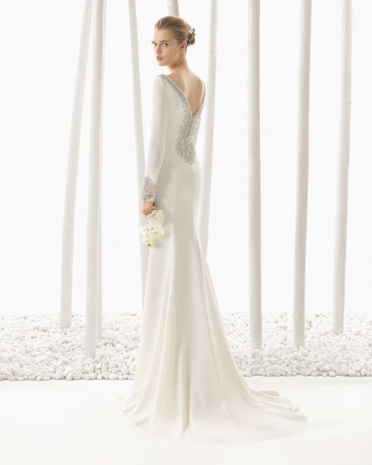 DENVER traje de novia en crep con adorno de pedrería.