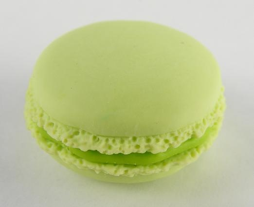 Macaroons Available in assorted Colours