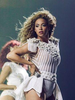 Beyoncé, Janet Jackson, Jennifer Garner help Houston Harvey victims