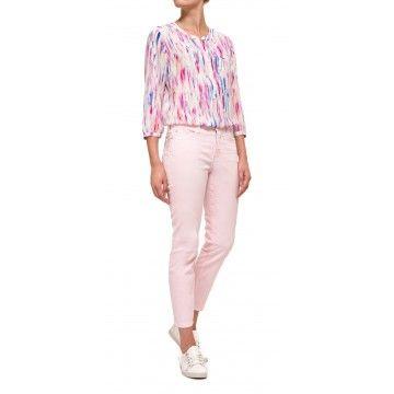 Diese+Straight+Leg+Jeans+aus+Denim+hat+eine+hellrosa+Farbe+und+kann+das+ganze+Jahr+über+getragen+werden.+Die+Jeans+haben+eine+ansprechende,+eng+anliegende+Passform+und+tragen+sich+dank+des+idealen+Stretchanteils+besonders+komfortabel.+Die+Hose+hat+eine+höhere+Taille,+Five-Pocket-Styling,+Reiß-+und+Knopfverschluss+und+natürlich+unsere+exklusive+und+schlank+machende+Lift+Tuck+Technology®,+in+der+Sie+toll+aussehen+und+sich+auch+so+fühlen.