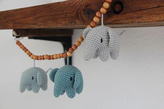 Jeg har lavet mere end 10 af disse skønne elefanter. Opskriften er oversat til dansk af dygtige Lityfa. Jeg har længe gået med tanken om en mindre version af d