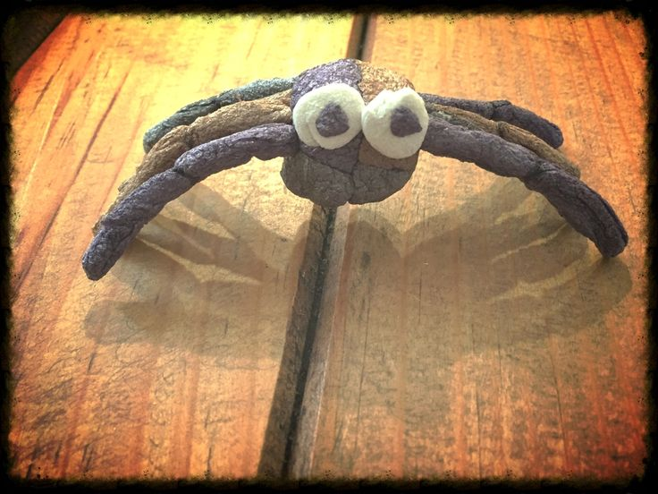 halloween spider craft ideas make this spooky yet adorable spider with 4623