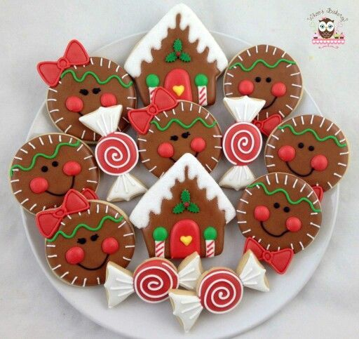 nice They may be Christmas cookies, but I think they're a great idea for tree orn...