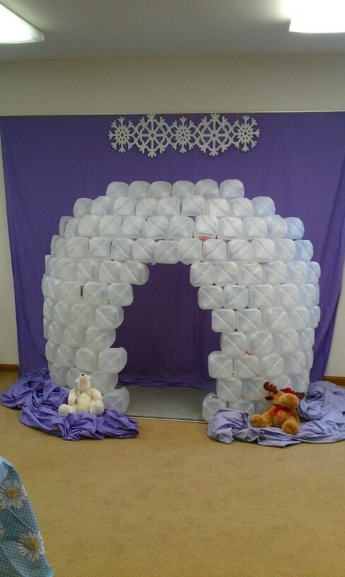Igloo facade used as a photo prop for kids vbs