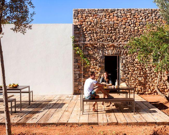respectful-renovation-beautiful-ibiza-finca-19