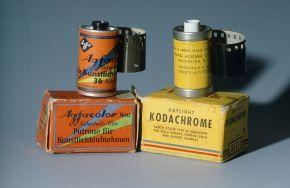 Schachteln der Kodachrome- und Agfacolor-Filme um 1938