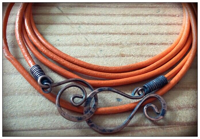 Braselet with copper wire and orange leather