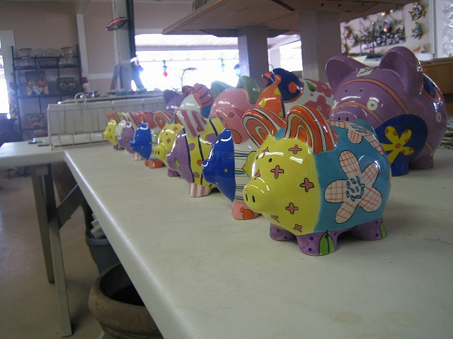 piggy banks     Custom imprintable piggy banks