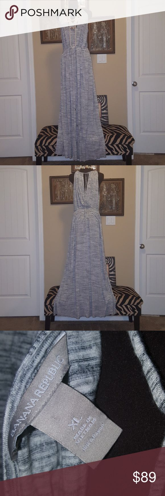 """Banana Republic Maxi Dress Size XL Gorgeous Maxi Dress... This is an extra long Maxi I am 5'-11"""" and it hits the floor without heels on me...FINAL MARKDOWN Banana Republic Dresses Maxi"""