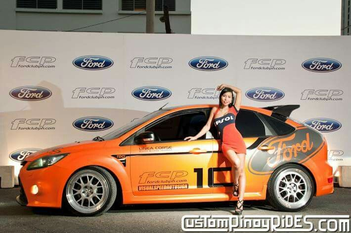 Focus ST & RS 5 doors with beautiful woman #Ford #FocusST