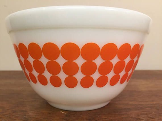 """1960s vintage Pyrex mod orange """"New Dots"""" mixing bowl 401 from HobAndNail on Etsy."""