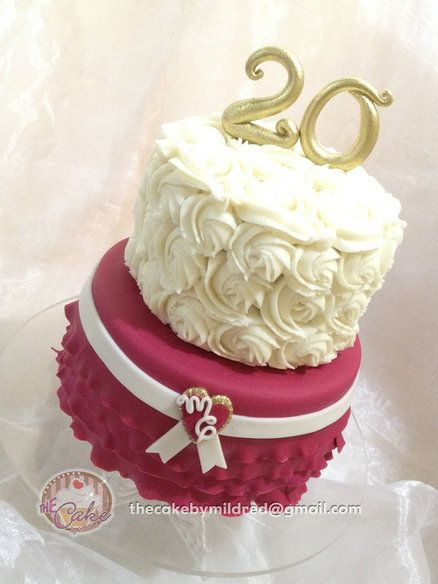 20th Wedding Anniversary Cake by TheCakeByMildred