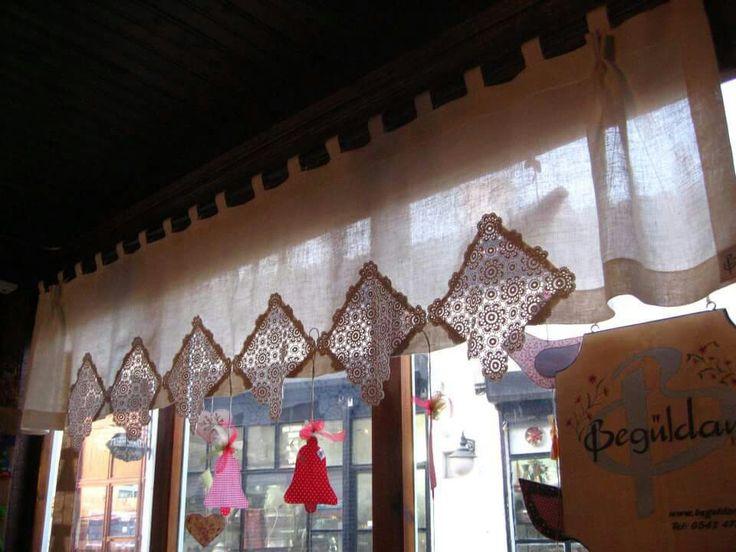 Lovely curtain with vintage doilies - Begüldan