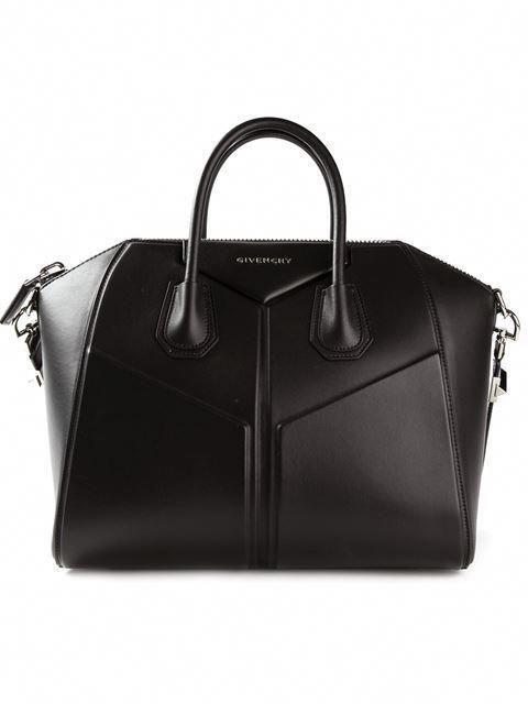 bb823bfc044 Купить Givenchy средняя сумка-тоут Antigona  в Vitkac from the world s best  independent boutiques