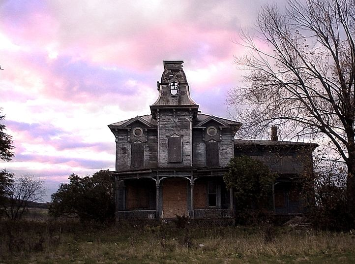 .: Victorian House, Abandoned Structures, Spooky Houses, Haunting Memories, Dream House, Haunted Houses, Beautiful Spooky, Abandoned Houses, Abandoned Places