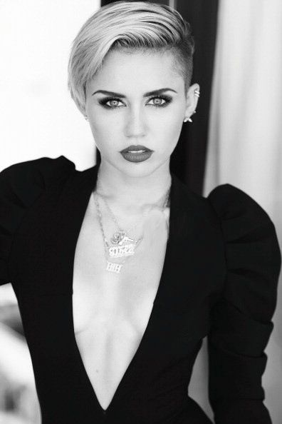 I REALLY don't care for miley cyrus, but this is just a beautiful photo