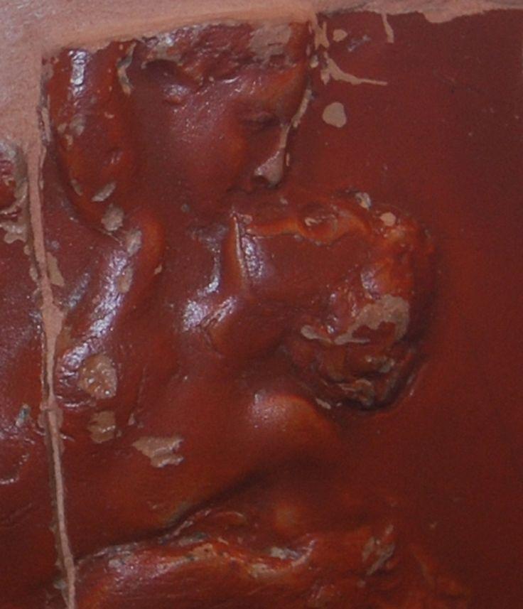 Coppa in #sigillata aretina con scena erotica, fine del I sec. a.C.- inizio del I sec. d.C..