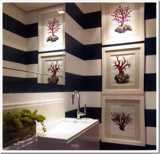 A Stylish Nautical Bathroom Decoration
