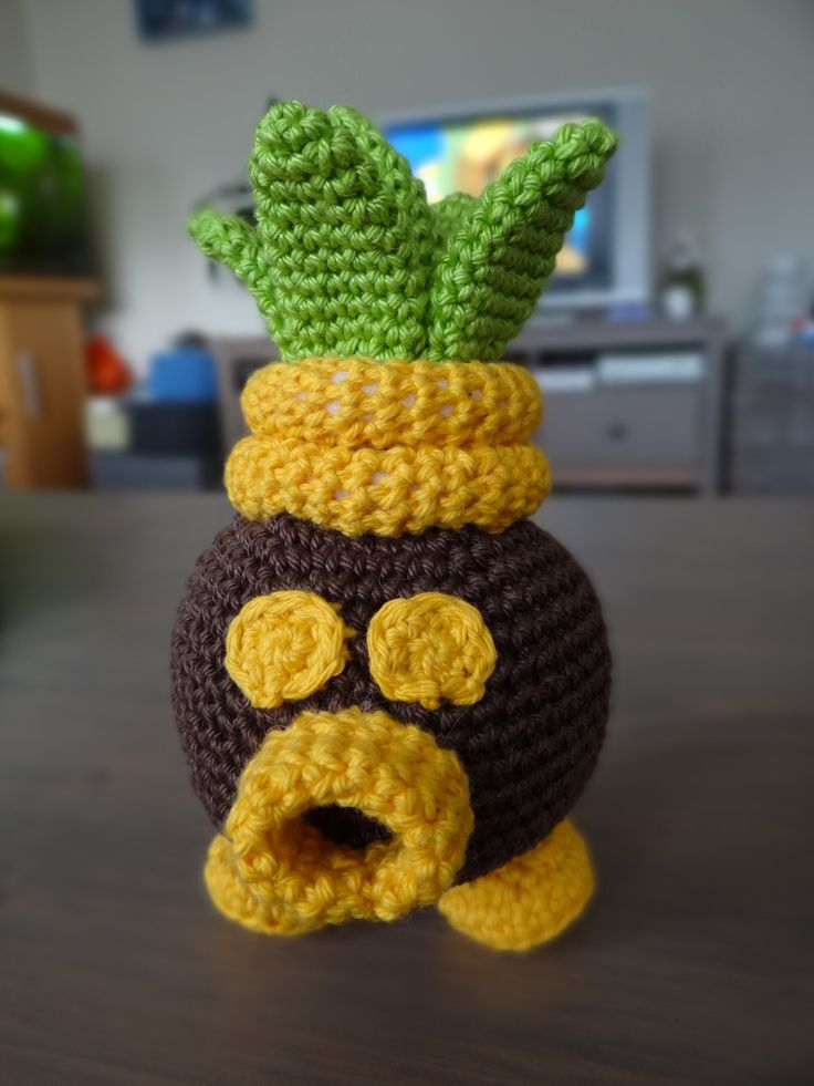 Deku Business Scrub from The Legend of Zelda: The Minish Cap. - Free Amigurumi Pattern here: http://crochetnanigans.wordpress.com/2014/02/13/the-legend-of-zelda-deku-scrub-pattern/