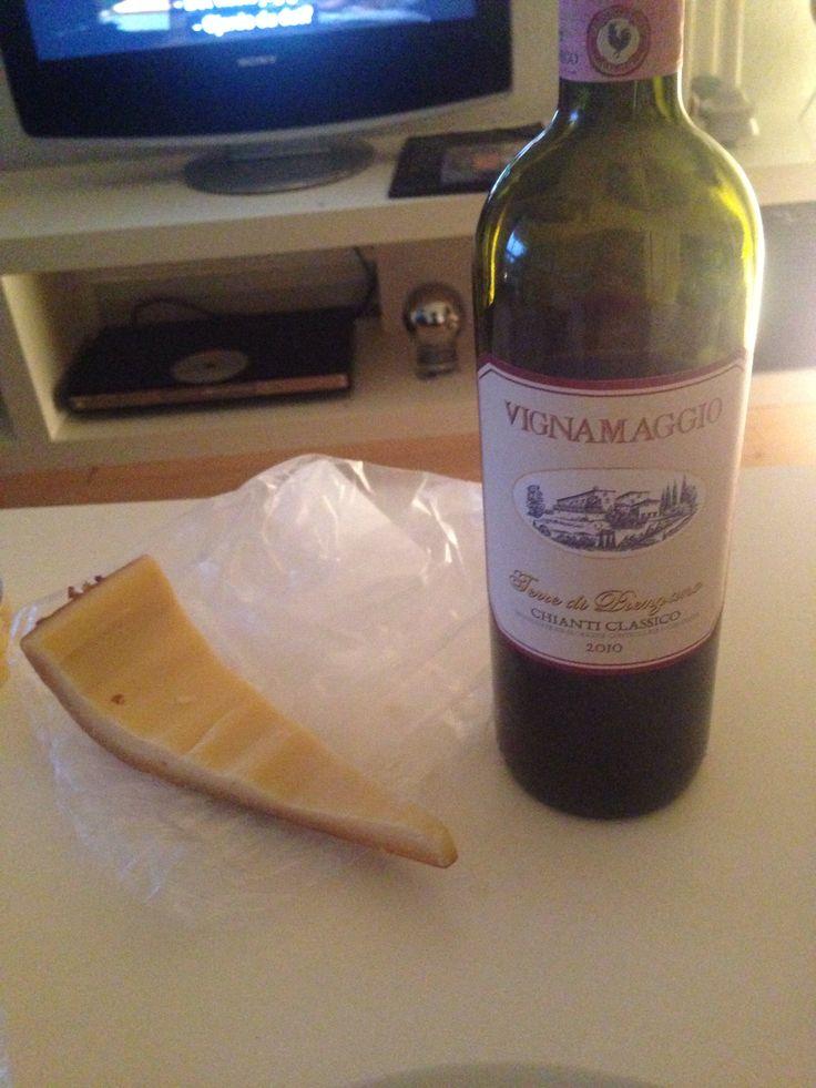 I like it. #red #wine #vignamaggio #chianti #classico #itisa #primadonna #cheese